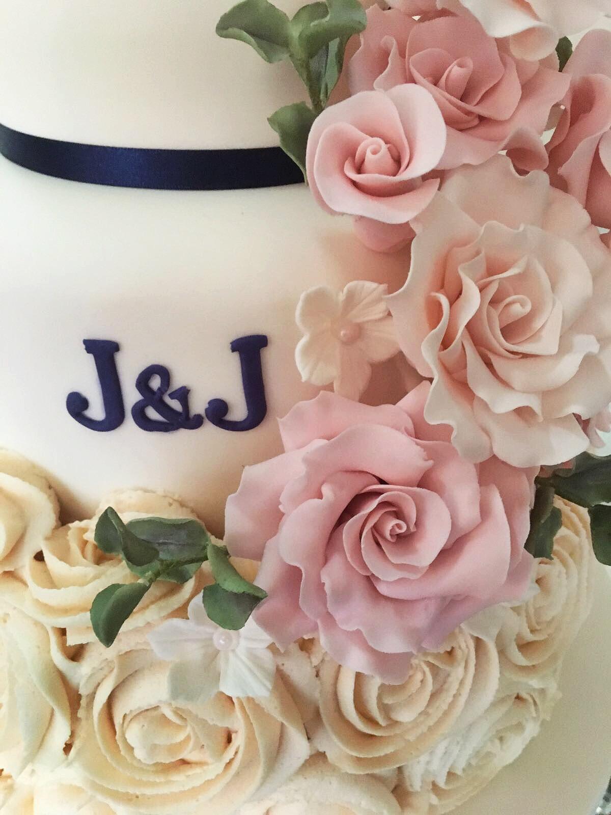 WEDDING CAKES | Iced and Spliced